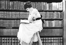 Poesía,Letras & Libros / Toma este libro como un boleto sin regreso al país de la lectura...  / by Nora Dominguez
