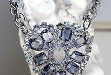 Vintage Jewelry / by Leonor Cajaraville