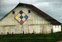 Barns / by Angelandspot