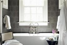Bathrooms / by Lena