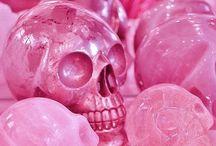 Pink Skull / by Byanca Cherubini