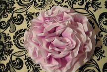 Crafting: Flowers to Make / Felt flowers, ribbon flowers, zipper flowers, paper flowers, lace flowers, fabric flowers.  Make them all.  / by Rebekah Lewis