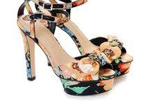 Tacones y otros zapatos maravillosos / by Marta Nieto