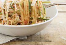 Delicious Food. / -Salads, Meats, Pasta, Sandwiches, Soup- / by Madison Elizabeth