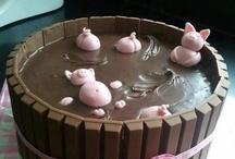 Food & Drink: Cakes/Bikkits - Decoration / by Hazel Weller