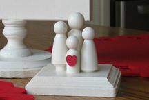 peg dolls =) / by Roberta Descalzo
