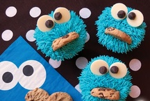 Cupcake Crazy / Lots of fun ideas for cupcake lovers! / by Rachel @ SunScholars