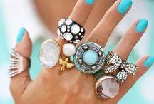 JeWeLs & ...Co / Fui aprendendo a gostar de joias ao longo da minha vida... agora que trabalho com elas estou cada vez mais apaixonada... diamonds are our best friends (Marilyn Monroe) / by Ana Guimarães