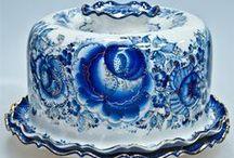 I love Blue and White / by Shelia