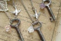 Jewelry Ideas - pendants, necklaces / by Millie Pejakovich