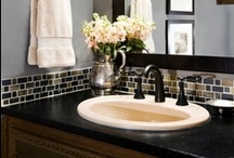 Home - Bathroom / by Jeanette Diaz