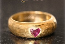 wedding and engagement rings / by Iryna Vakarchuk