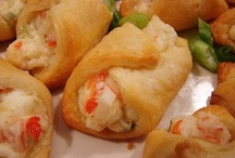 Deliciousness - Appetizers / by Danielle Smith ExtraordinaryMommy.com