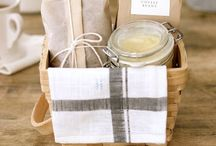 Holidays, Presents, Wrapping, Packaging, Thank You Notes, Hostess Gifts, Festive Food / by kate mulling