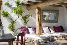 dreamy summer homes / by danielle de lange