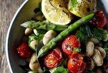 >> Good Eats << / Vegetarian and Vegan recipes. / by Katie Martin