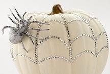 Halloween / by Angela Penyak