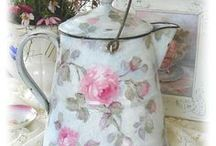 Shabby Chic / by Michele Spencer