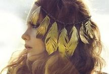 Stunning hair accessories / by Emily Wright