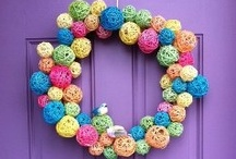 Handmade Wreath Craft Tutorials / Learn how to make your own handmade wreath with our best DIY wreath tutorials, wreath craft ideas, and our favorite holiday and seasonal decorations for the home. / by AllFreeHolidayCrafts