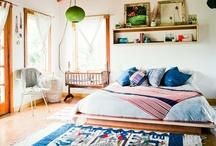 Bedrooms / Quartos / by Gabi Medina