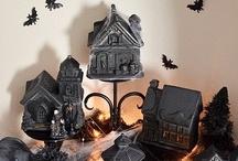 Halloween : DIY / citrouilles, sorcières et chats noirs... fantômes, monstres et zombies... décors pour la maison ou le jardin... mais aussi confiseries et leurs emballages, plats et boissons, costumes, bref, tout ce qu'il vous faut pour Halloween et que vous pourrez créer vous-mêmes est réuni ici ! / by Isabelle de Beukelaer
