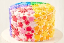Food: Cakes & Pops / by Amy Stephens