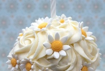 Food - Cupcakes / by Kayla Lay