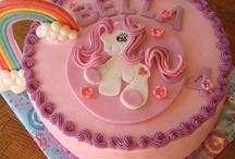 Birthday Cakes / by Alissa Passantino