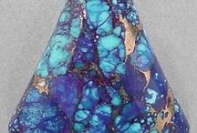 Crystals, Quartz & Rocks / by Veronica Gutierrez