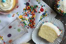 Recipes {Sweets - Cupcakes} / by Tania