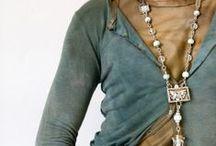 To wear / by Nilufer Turk