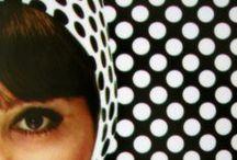 Francine's Polkadots / Polkadot is een patroon bestaand uit een veld gevuld met bolletjes, meestal van gelijke grootte en met een gelijke afstandsverhouding. De bolletjes liggen meestal ook vrij dicht bij elkaar in verhouding tot hun diameters. Het patroon wordt meestal in wat ludiekere contexten gebruikt / by  Francine