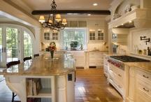 Kitchens / by Jennifer Cripps
