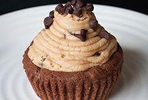 Looks Yummy... Sweets / by Laura Raifsnider