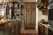 Home Sweet Home - Kitchens / by Jennifer Kaye Smith