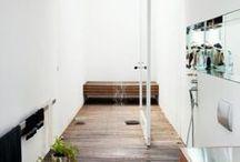 Outdoor Showers / by Josie Haley