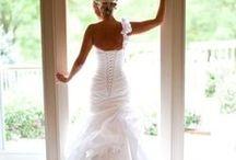 !Wedding Dresses! / by Jennifer Aiello