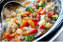 delish. slow cooker. / by Echo Day