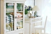 Organizing Storage and Easy Solutions  / by Susan Edghill