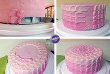 Cake Decorating / by Rosa Balzamo