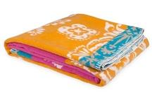 DECO /// Throw blankets & Bedding / by Martine van Straelen