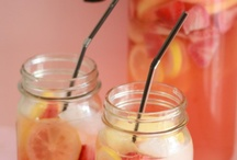 Food & Drinks, yum / by Meg Helstowski