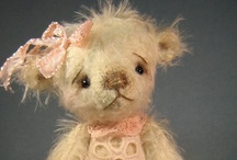 Teddy Bear Artists / I just love teddy bear artists.  These are some of my favorite teddy bear art doll designers.   / by Linda Walsh