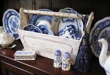 Blue & White China / by Fleur Jardin