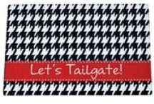 Game Day Glam / Everything a southern belle needs to go all out for your game day tailgate party! / by CarolinaClover.Com
