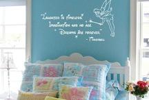 Lorelai bedroom ideas / by Jaime E.