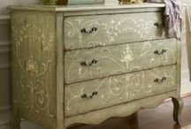 Painted Furniture / by Anne Hussey