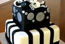 cake decorating / by Carlee Bennett