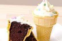 Something Sweet / cookies, cupcakes, cakes, you name it! / by Natasha Gladman